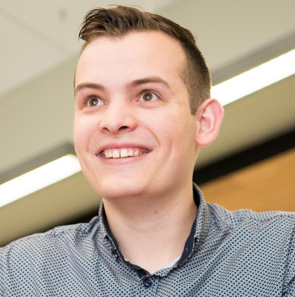 Nicholas Thompson profile picture